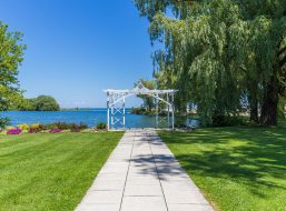 Living Water Resort For Waterside Events And Weddings