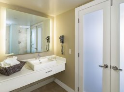 Spa Style Bath At Cranberry Resort Suite